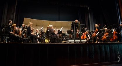 IMG2015 - Spring Concert, Allan takes a bow 506 x 275